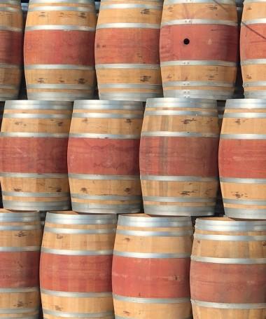 Spanisches Weinfass 225l mit rotem Bauch