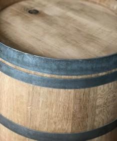 Weinfass Couchtisch natur mit Branding