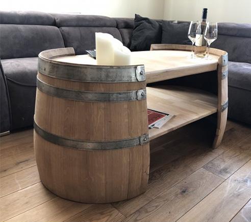 Langer Couchtisch aus Weinfasshälften
